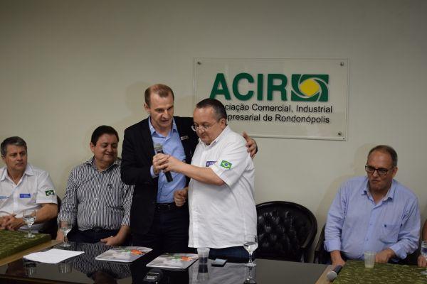 ACIR entrega agenda propositiva ao governador Pedro Taques