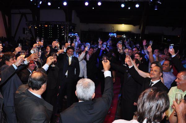deb7f0732b2 ACIR comemora 60 anos em noite de premiação - ACIR MT