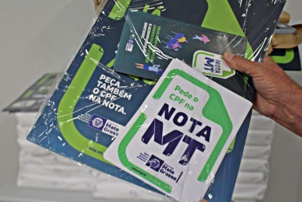 Sefaz distribui material sobre a Nota MT no comércio de Cuiabá e VG