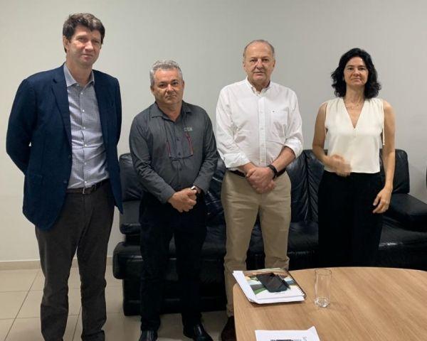 Presidente da Acir e empresários encontram-se com vice-governador de Mato Grosso Otaviano Pivetta, para tratar da alarmante situação da Santa Casa